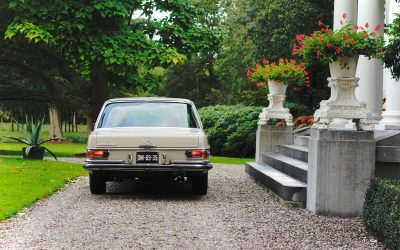 De Mercedes-Benz 280SE is een Duits statement