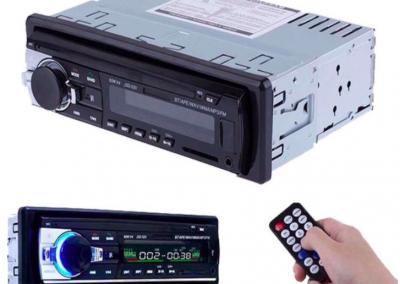 Autoradio met Bluetooth, Handsfree , AUX , USB , SD. Inclusief afstandsbediening.